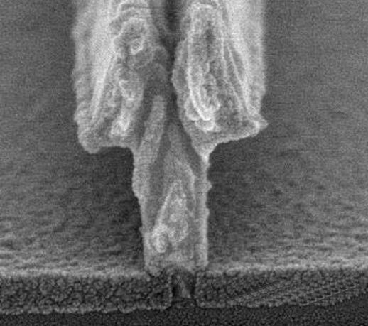 SEM of SiNx deposited by ICP CVD at room temperature for 22nm T-gate HEMT
